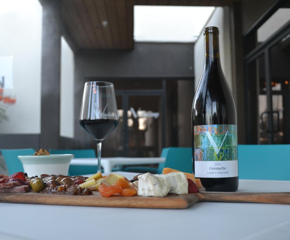V Wine lounge 3