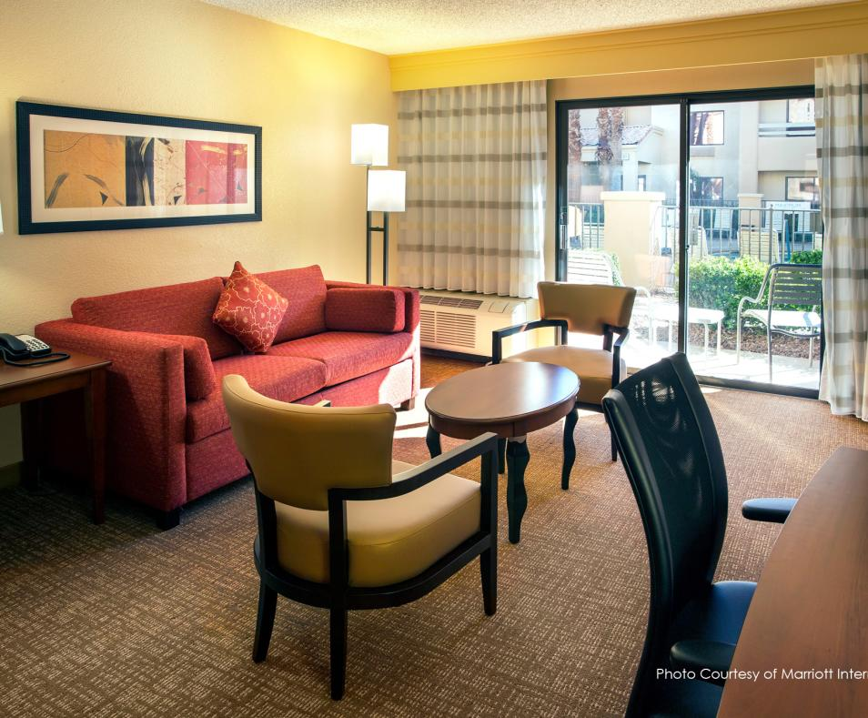 Courtyard by Marriott PS Living Space
