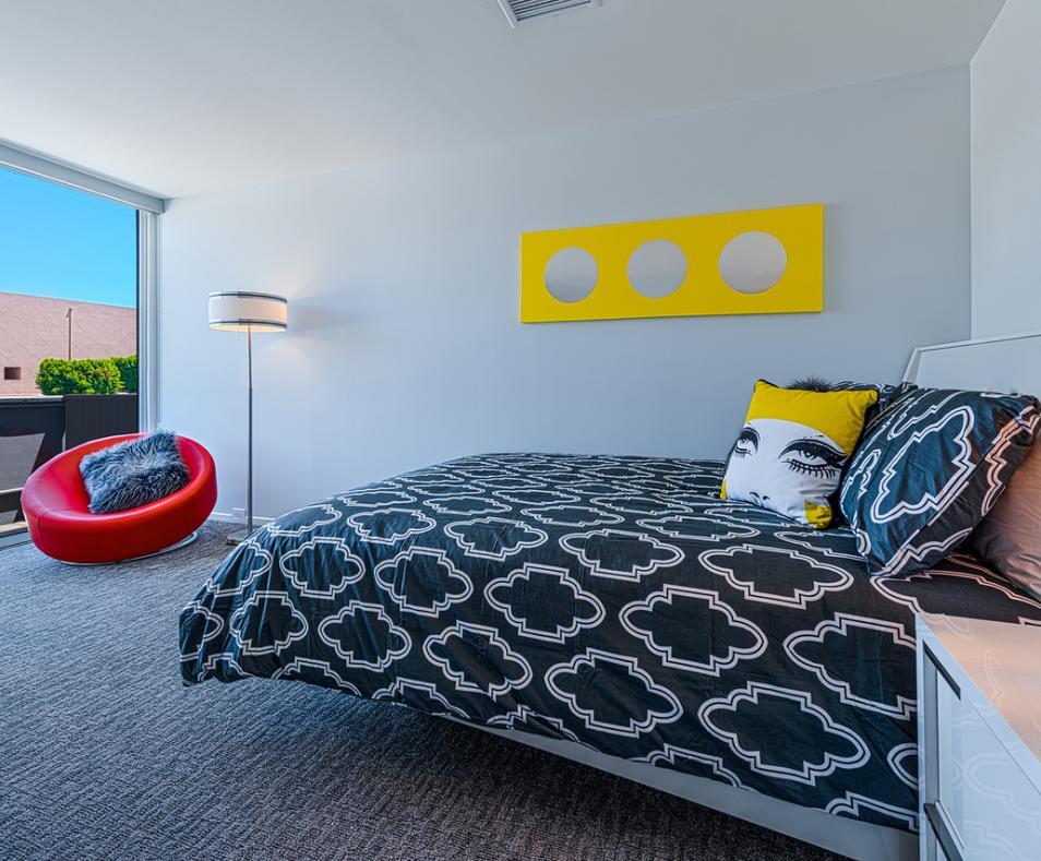 1-Bedroom Queen