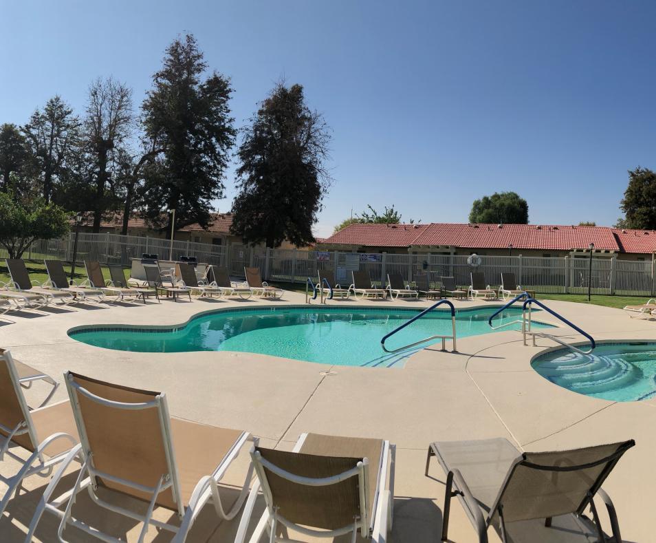 Valentino Pool