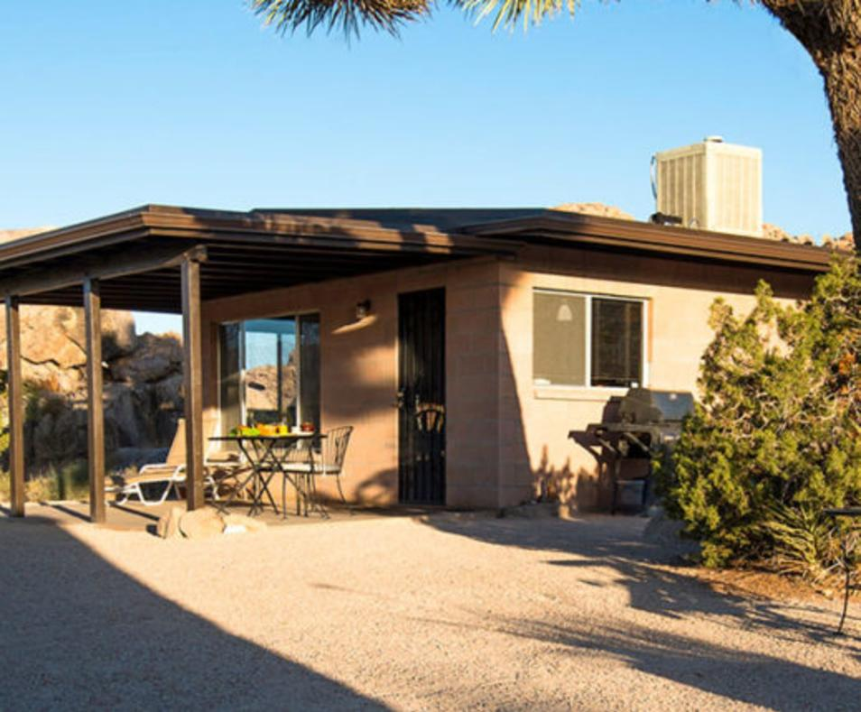 Joshua Tree Rock Haven Cabin