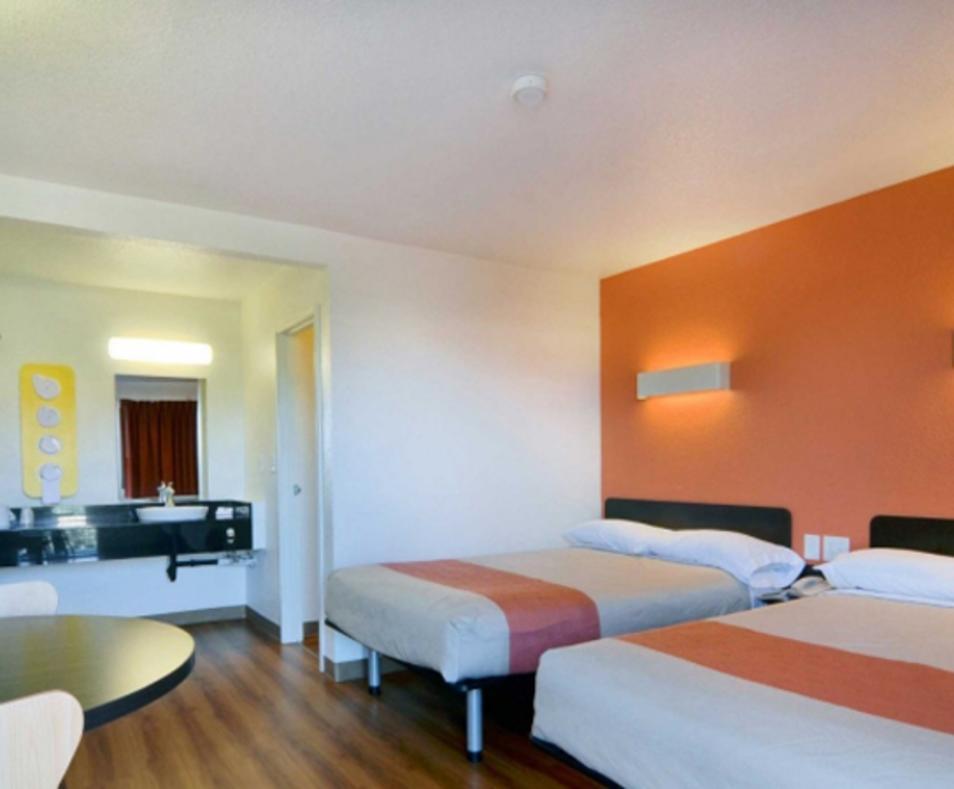 Motel 6 / Palm Desert