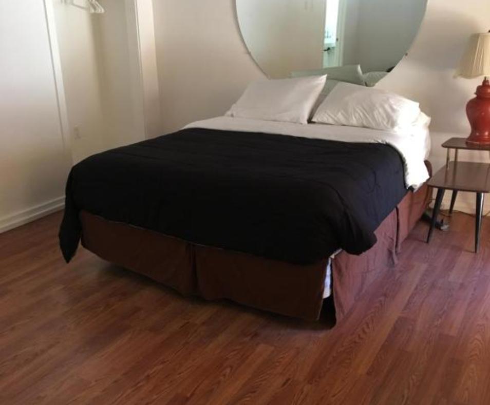 Aloha Hotel room 4