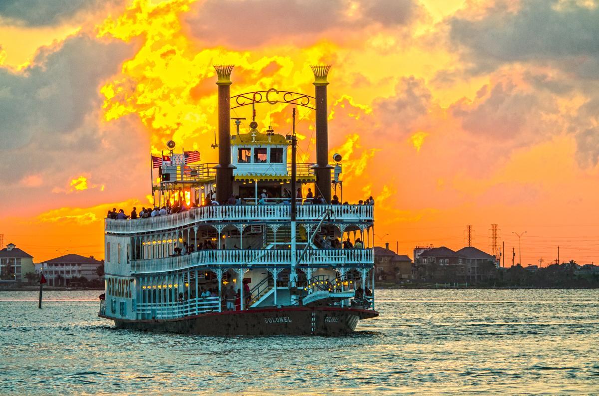 Paddlewheel Dinner Cruise