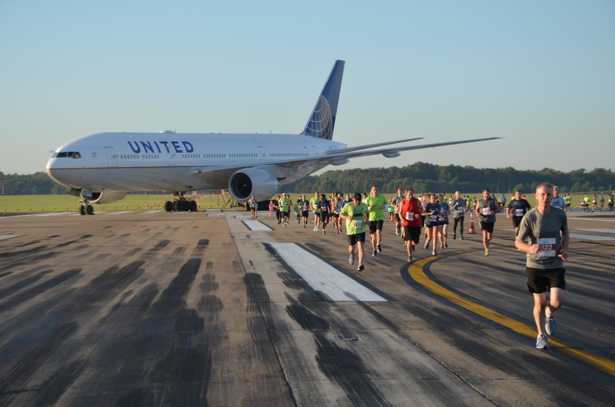 Dulles Day Plane Pull