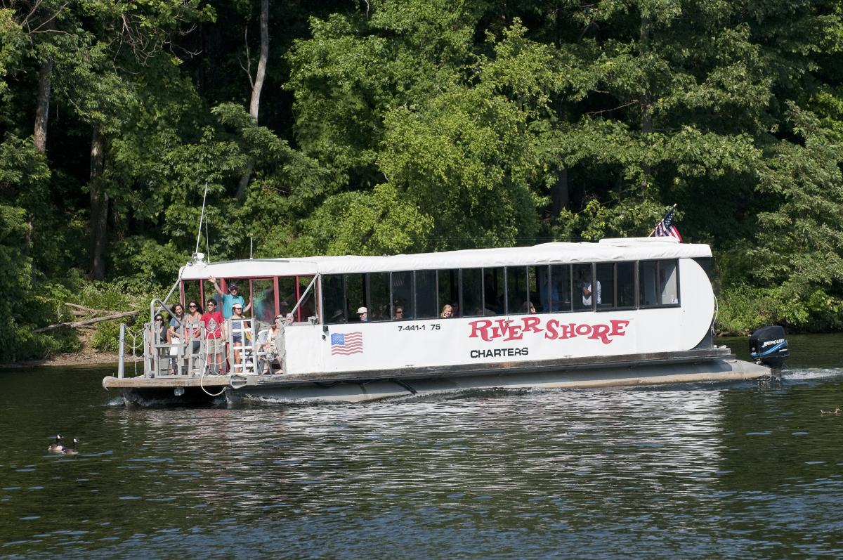 Rivershore charters boat on the occoquan river