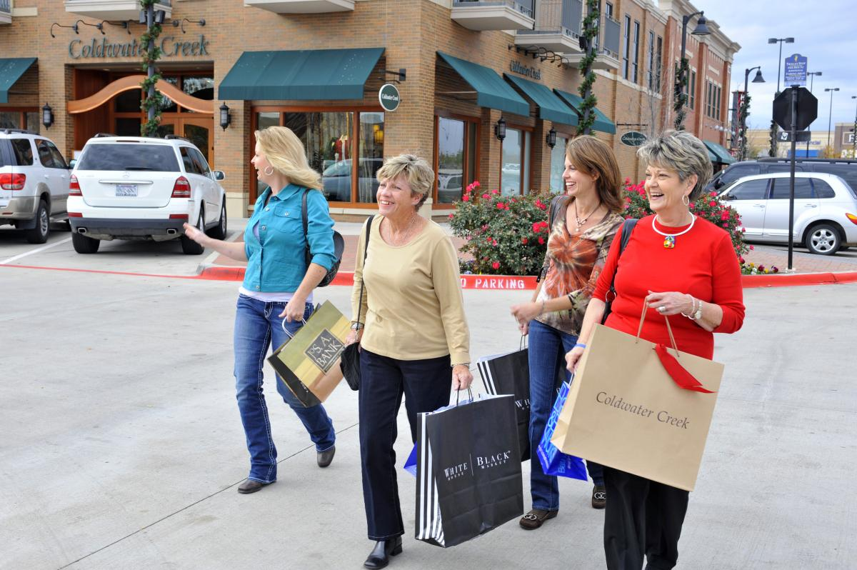 Arlington Highlands shopping