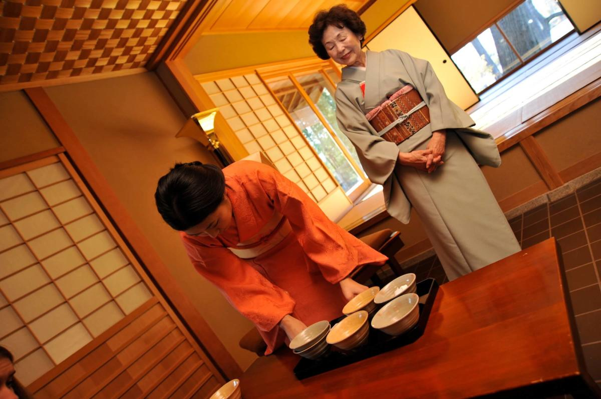 Tea Ceremony at Japanese Cultural Center, Tea House & Gardens of Saginaw
