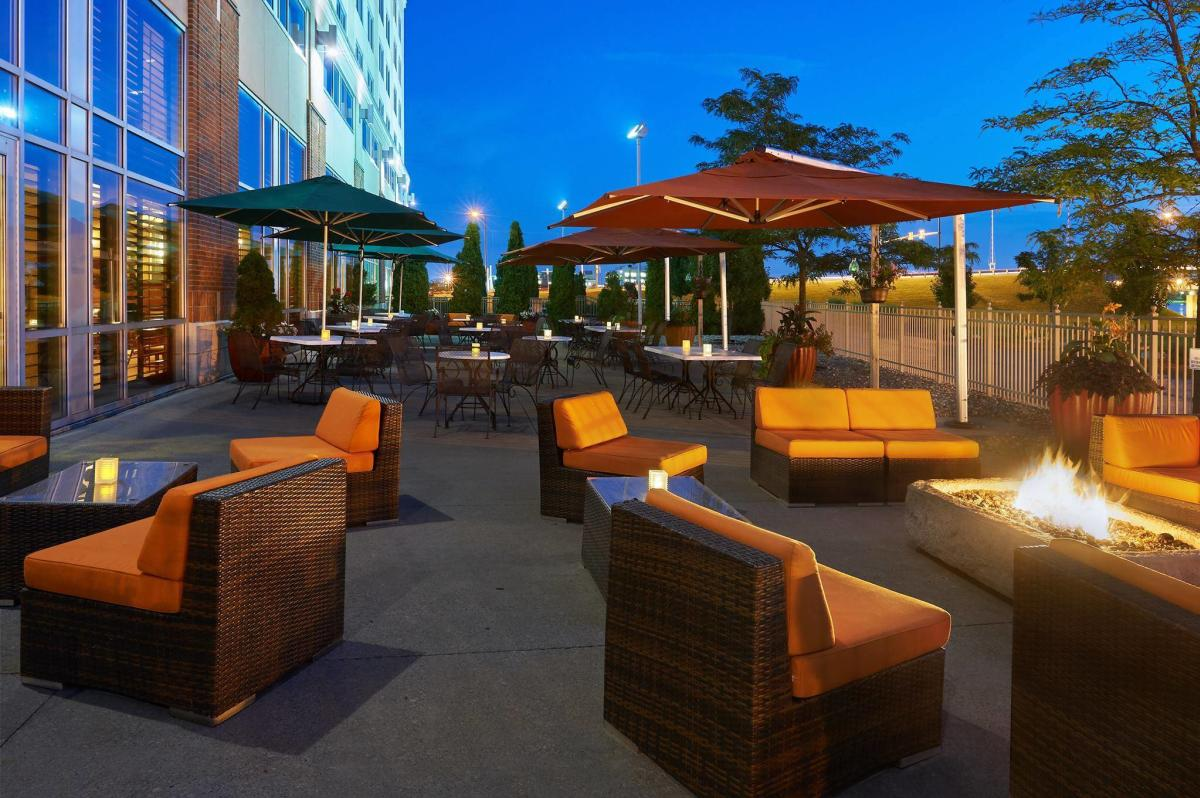 Riverfront Grille & Lounge outdoor patio seating and tables