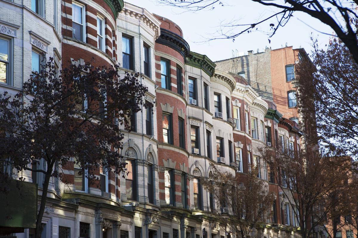 Harlem Brownstones, Exterior