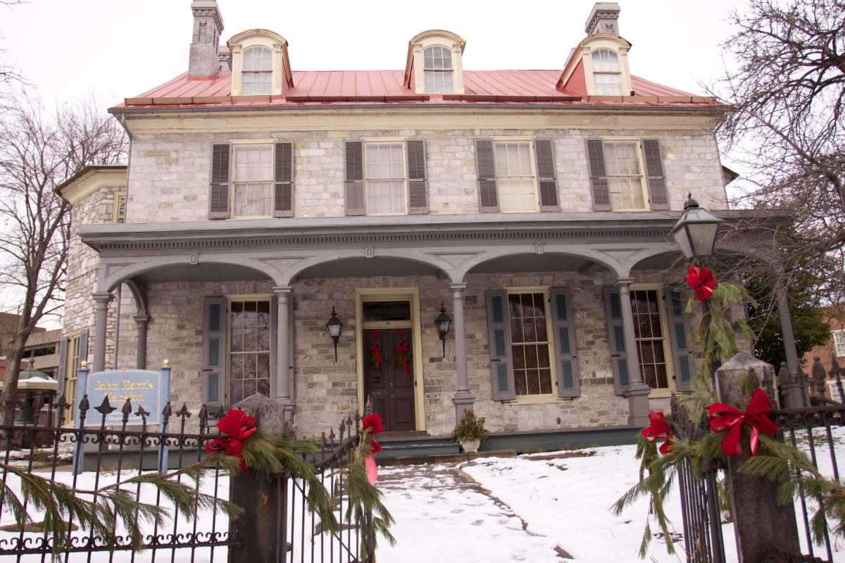 john-harris-simon-cameron-mansion-exterior-holiday