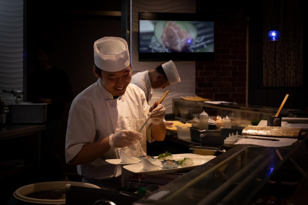 O-Fine-Japanese-Cuisine-sashimi-chef