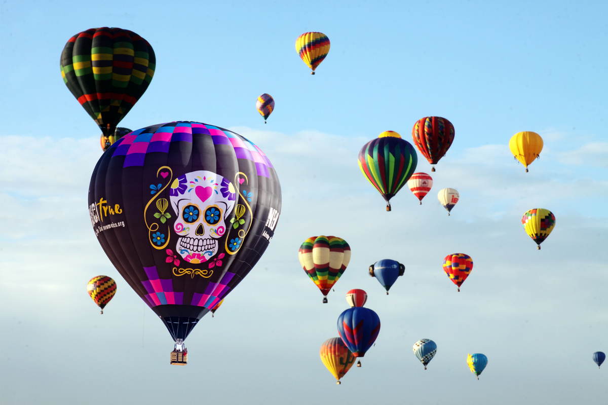 Muerto Balloon in Sky
