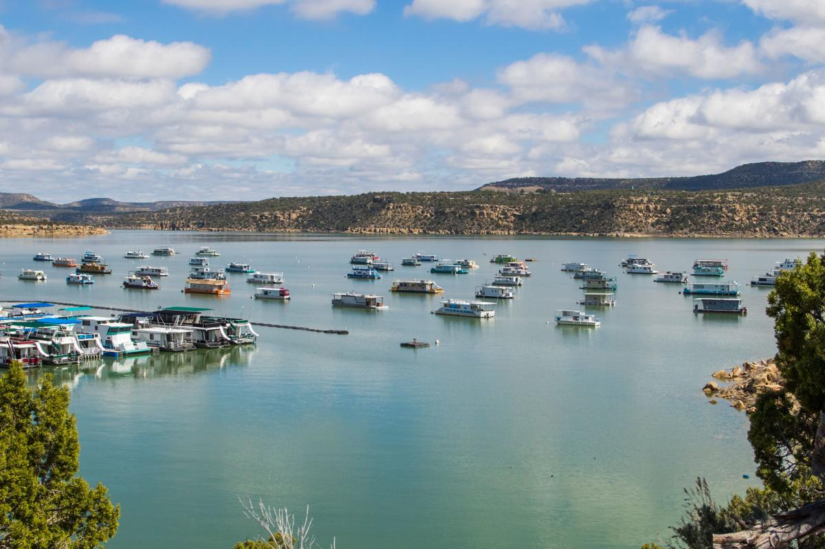 Navajo Lake Houseboats