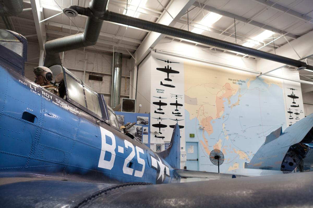 Airplane at PS Air Museum