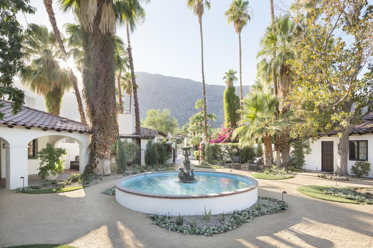 The fountain at Ingleside Inn in Palm Spring, California