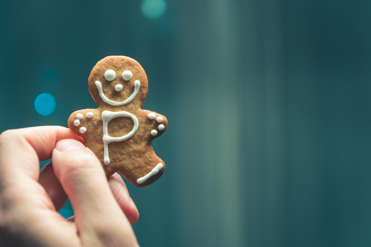 Gingerbread with a P in frosting
