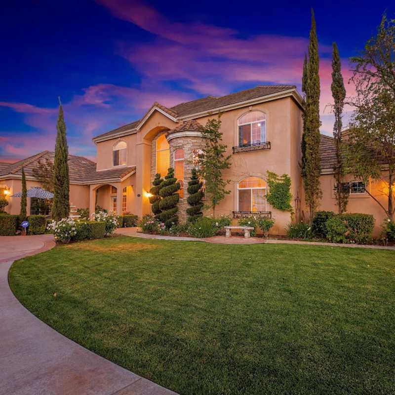 GATED TUSCANY ESTATE BEST VIEWS IN TEMECULA WINE COUNTRY 1