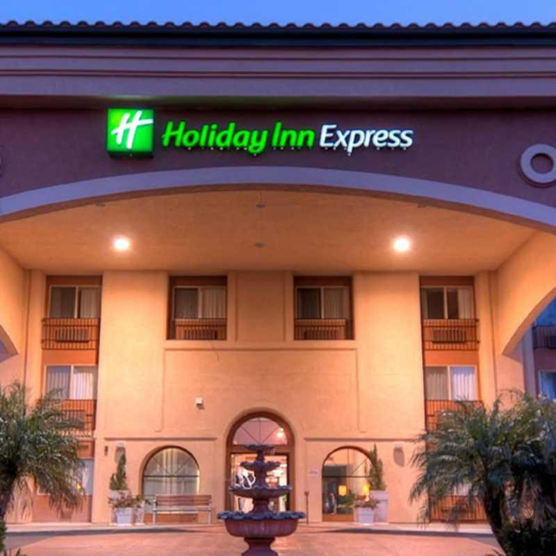 Holiday Inn Express - Temecula