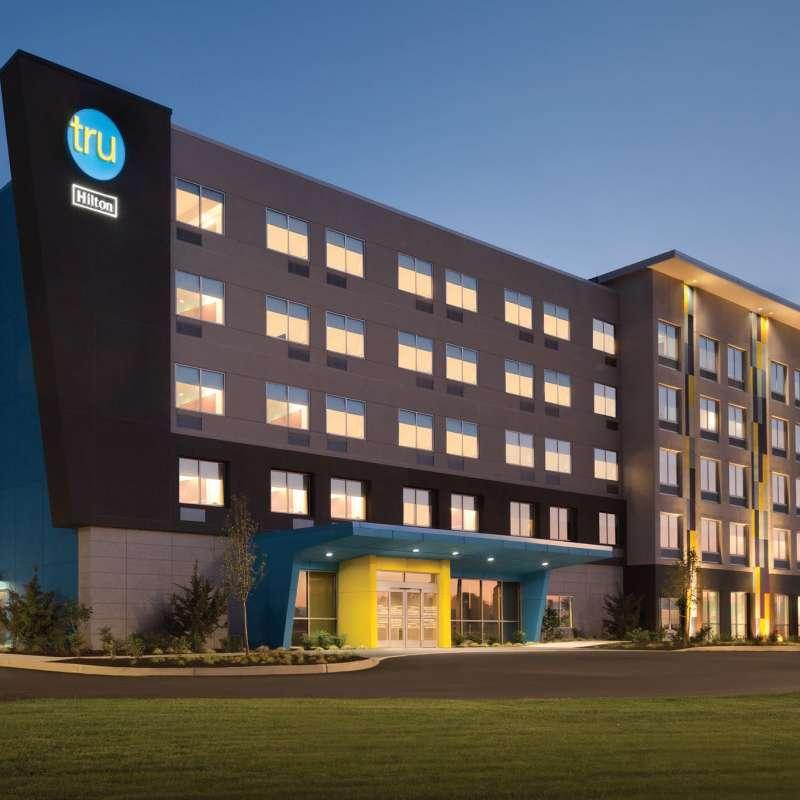 Tru by Hilton Fayetteville I-95