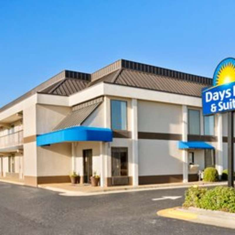 Days Inn - Fayetteville Cross Creek
