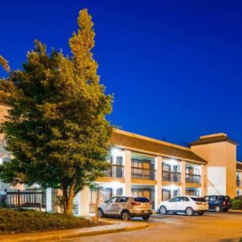 SureStay Plus Hotel Fayetteville
