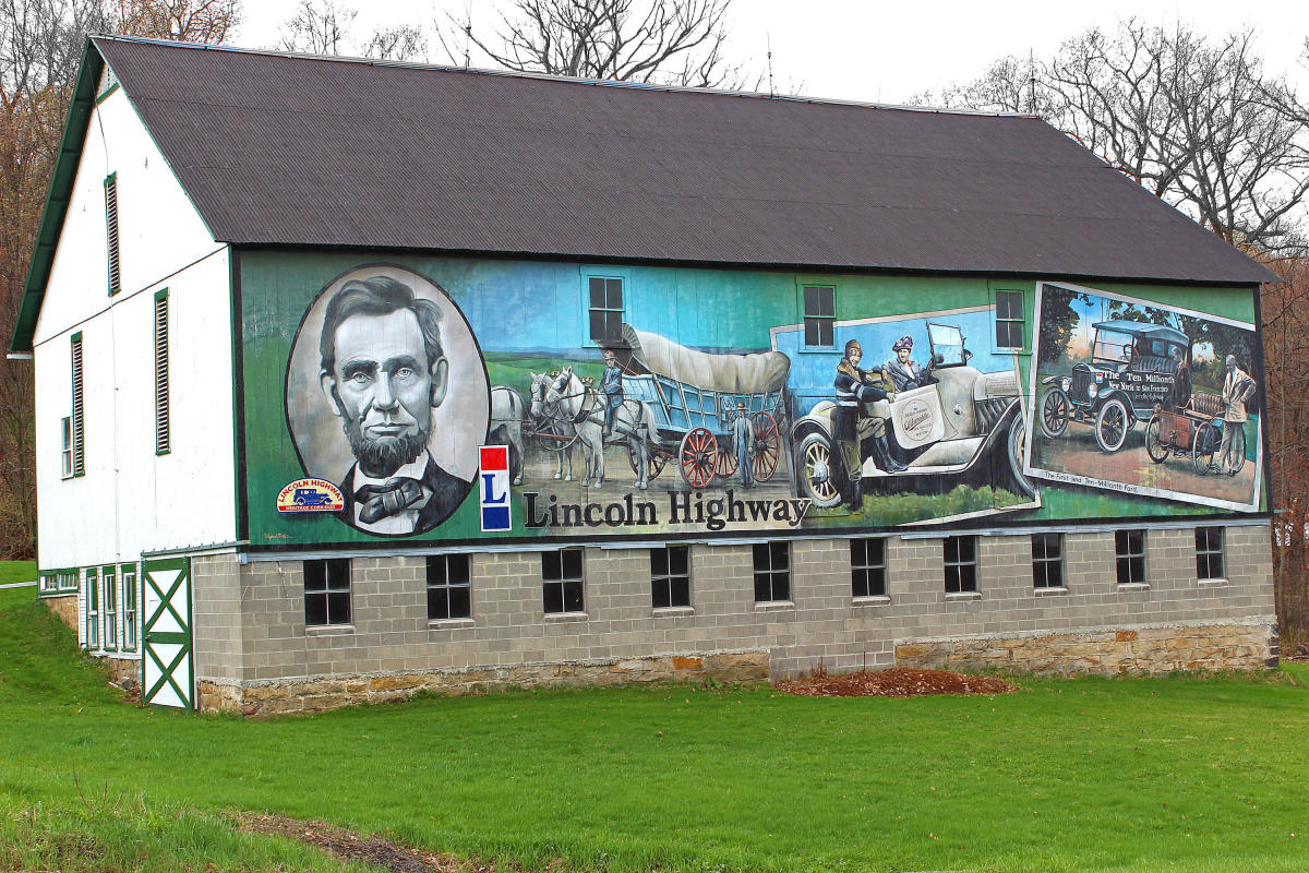 Lincoln Highway Barn Mural