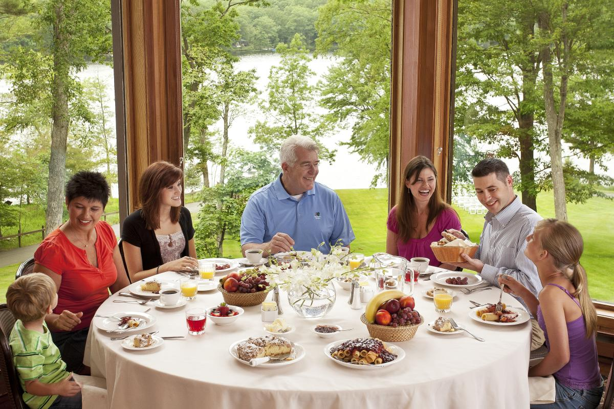 Family Dining in the Pocono Mountains