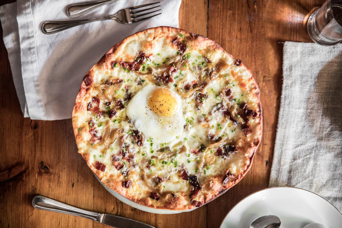 Nueske's Black-Peppered Bacon Pizza with Farm Egg from Osteria Via Stato, Chicago