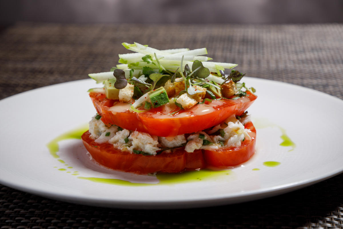 Bistronomic tomato apple salad
