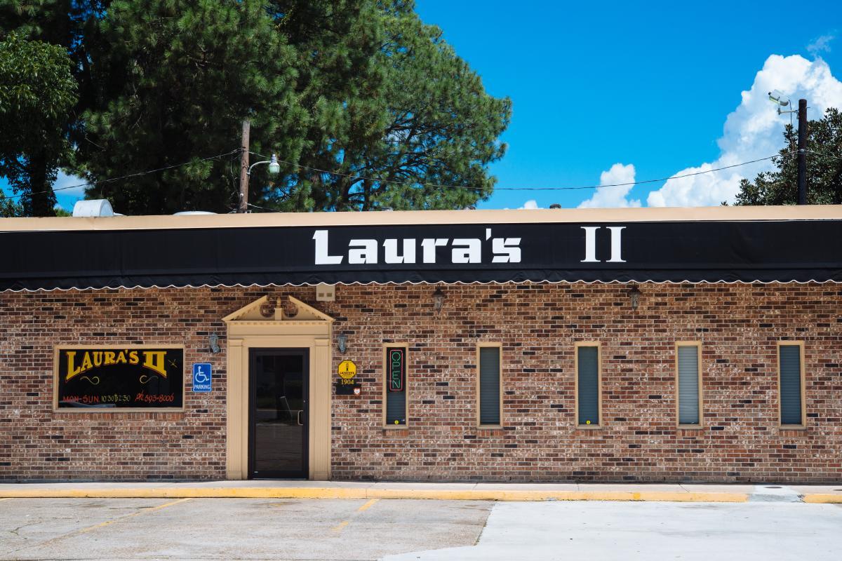 Laura's II Exterior
