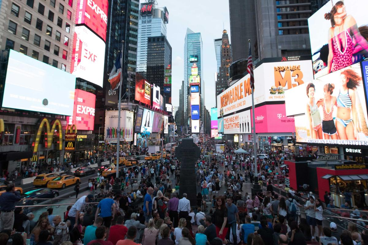 Crop-Times-Square-Midtown-West-Manhattan-NYC-walter-wlodarczyk-2017-06-28-_87A5832