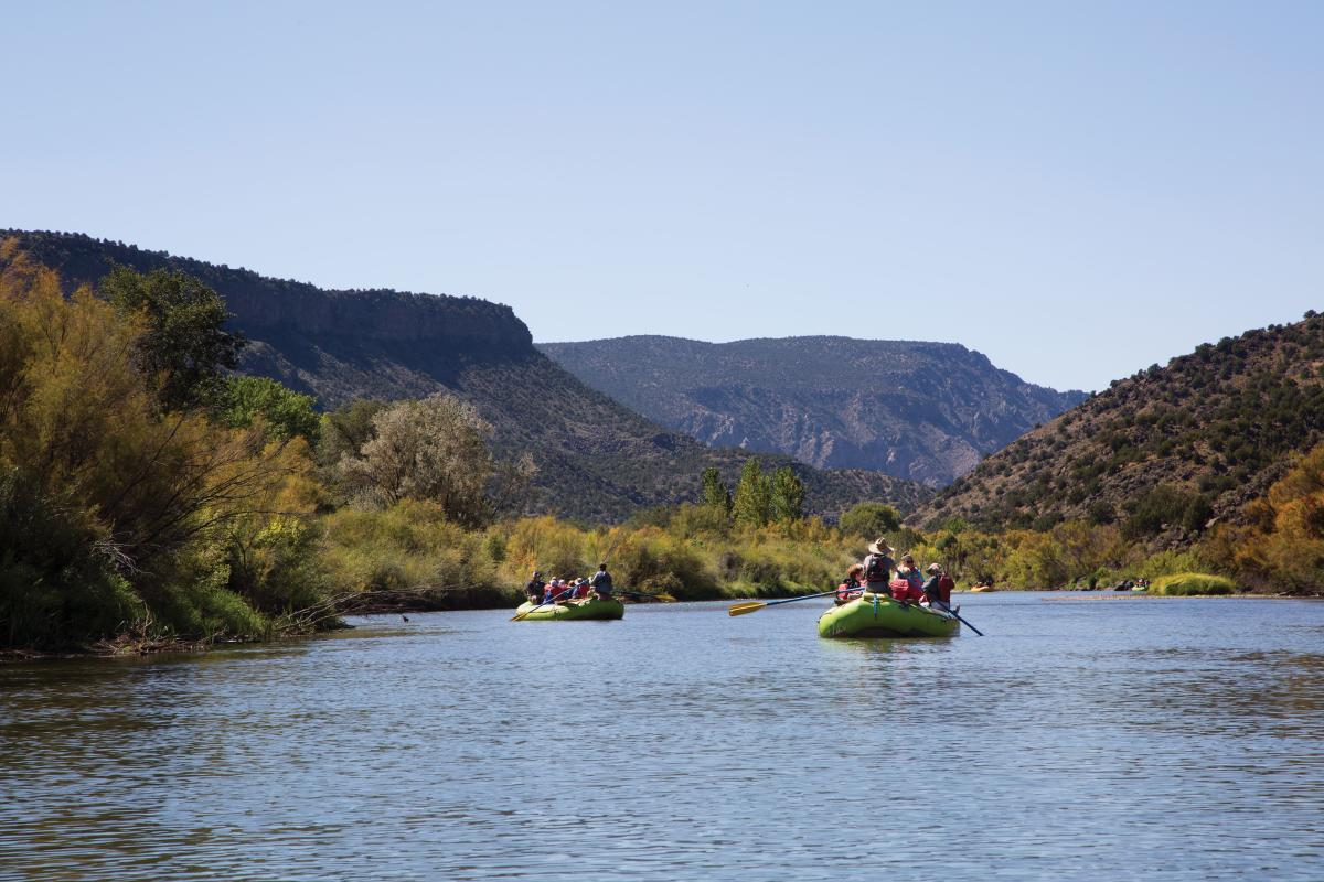Rafters admire the Río Grande's beauty