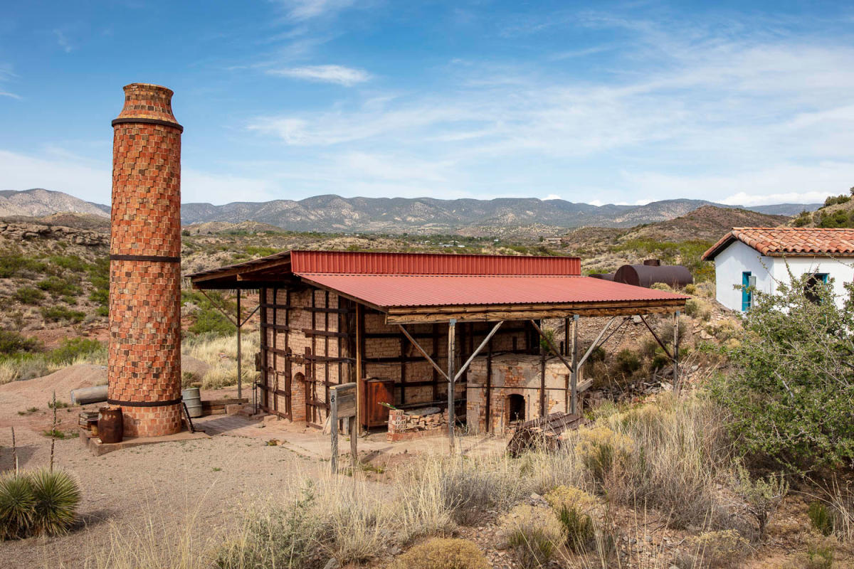 La Luz's tile-clad chimney