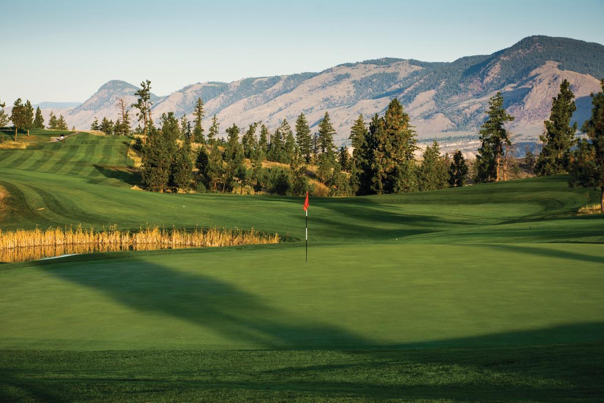 Golfing - Eagle Point