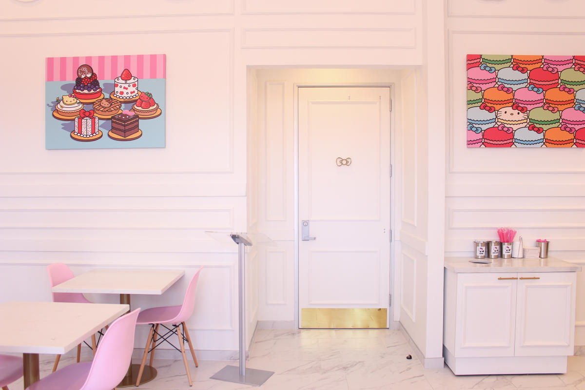 Bow Door at Hello Kitty Cafe