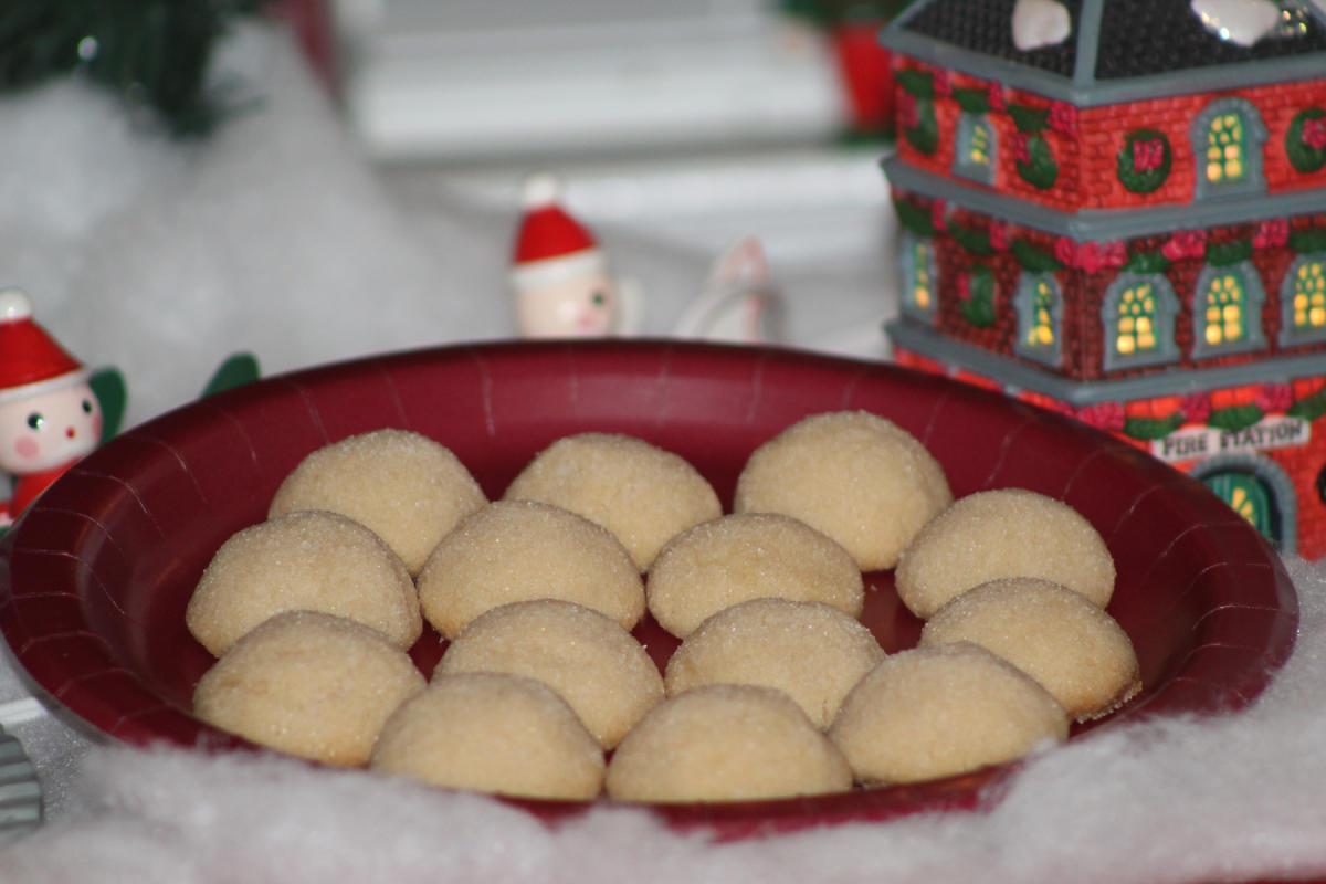 Glasbern Inn Butterball Cookies