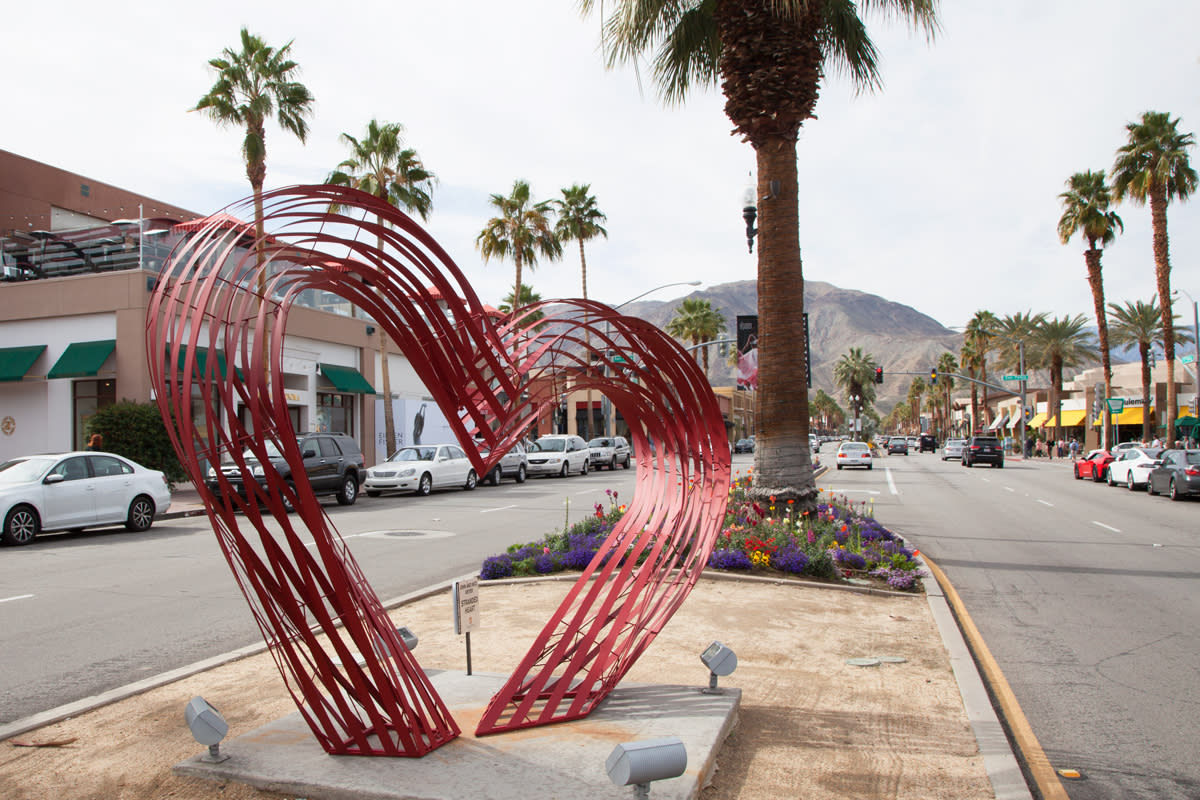 el paseo palm desert heart sculpture