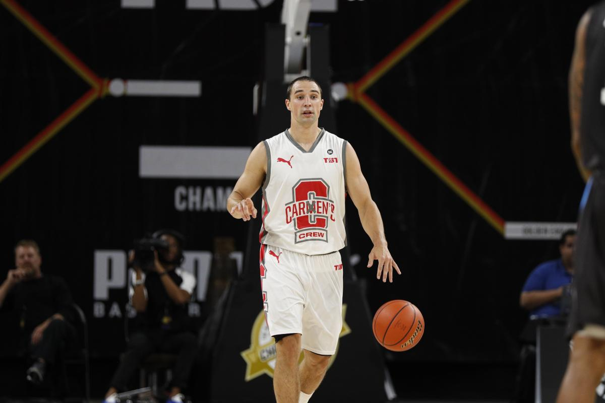 Former Ohio State Basketball Player Aaron Craft competing at TBT