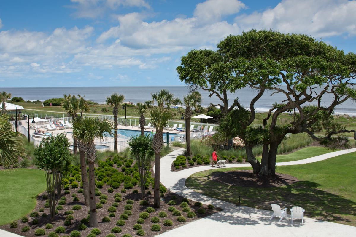 The oceanfront pool and grounds at Jekyll Island's Holiday Inn Resort