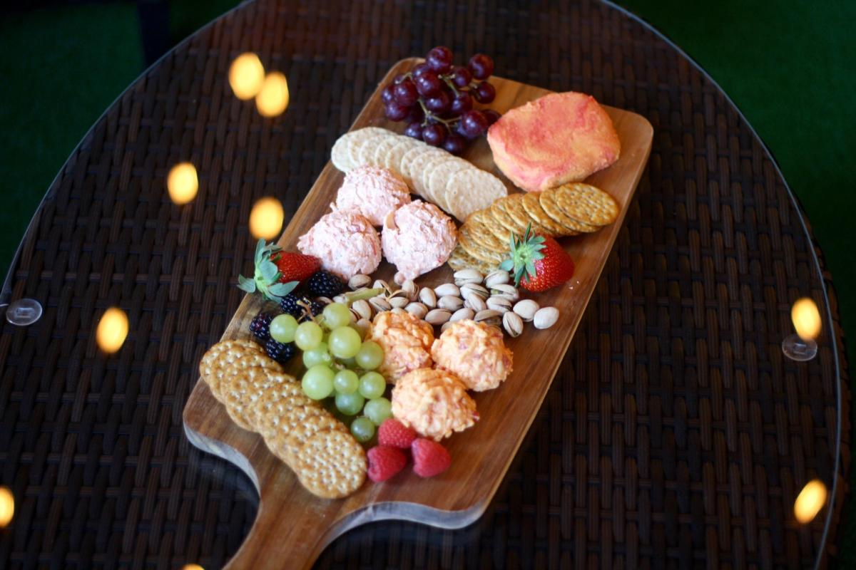 hops-vines-spirits-tasting-room-harrisburg-charcuterie