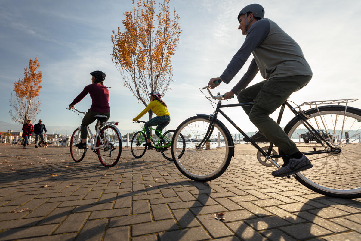 Group Biking at Waterfront Park (3)