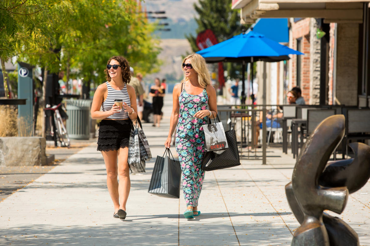 Shopping in Downtown Kelowna