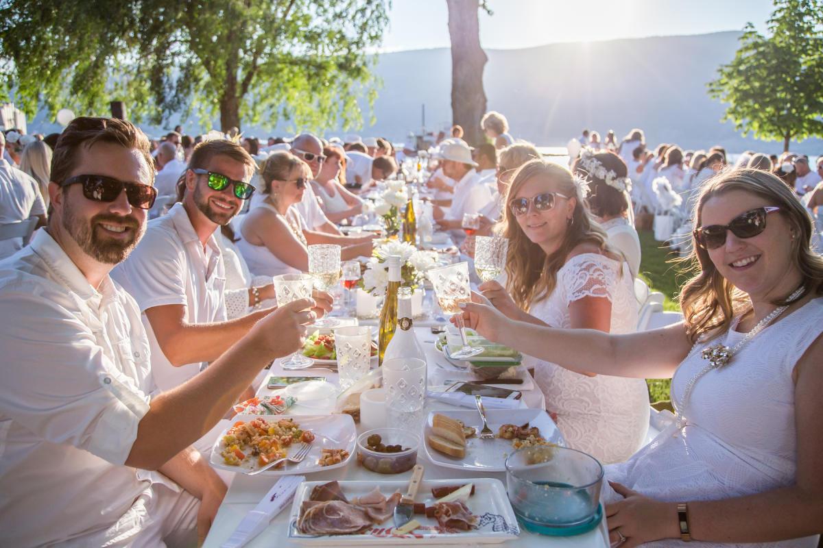 Diner en Blanc 2018 Okanagan 37