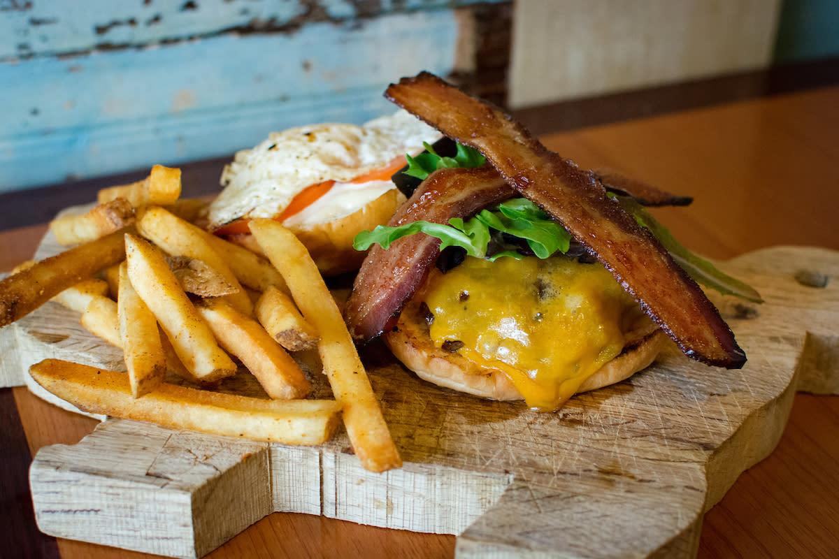 Avec Bacon Lunch Sandwich