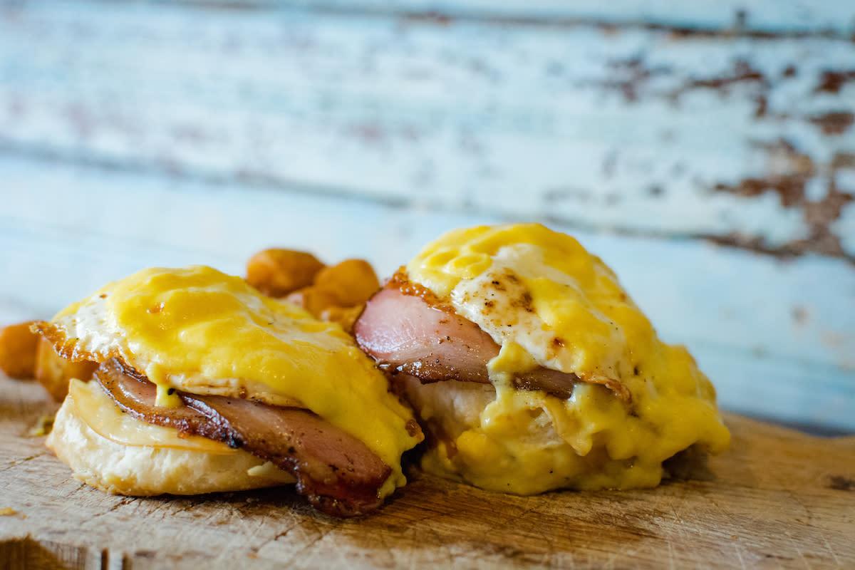 Avec Bacon Breakfast Sandwich