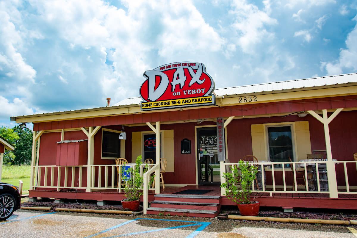 Dax on Verot Exterior