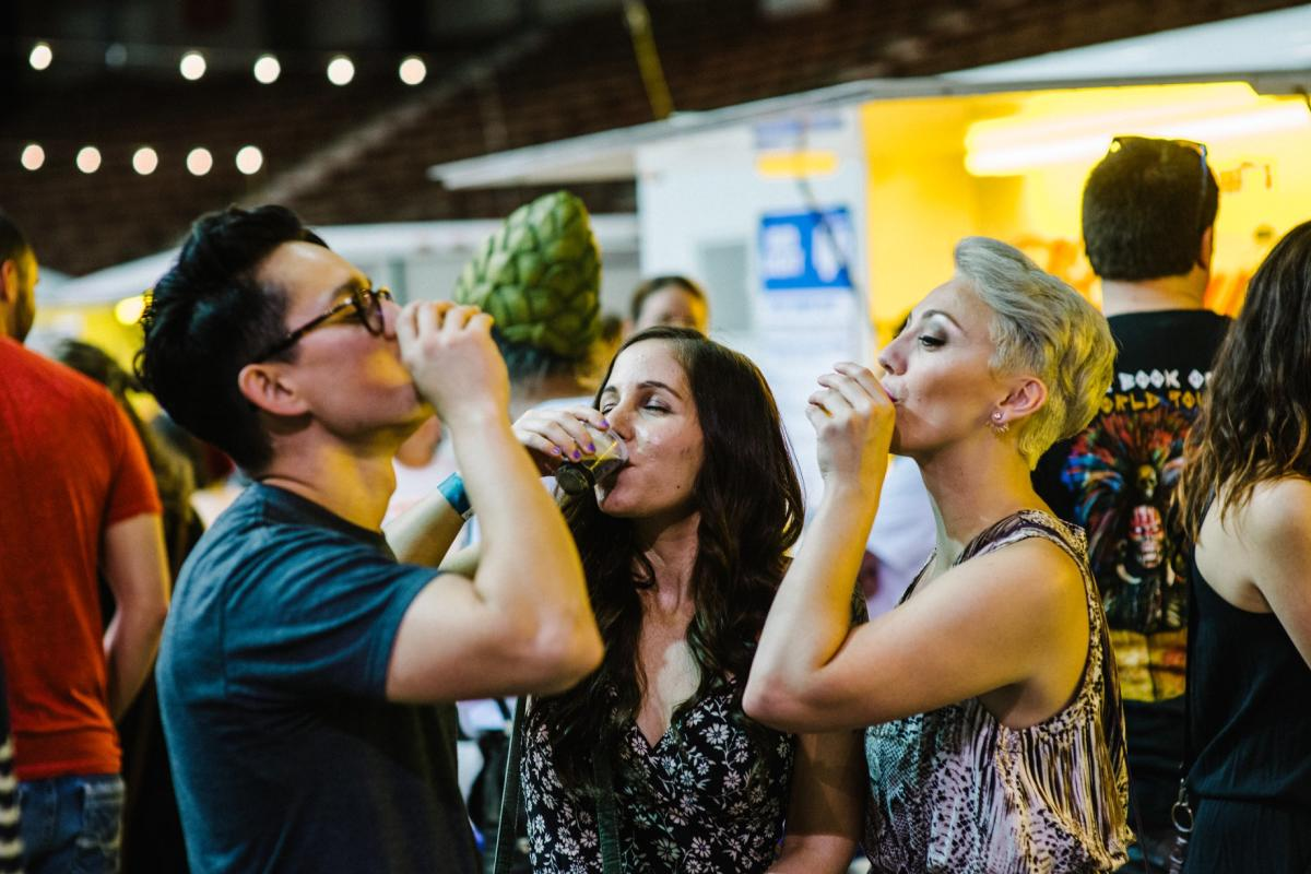Gulf Brew 2018 People Drinking Beer