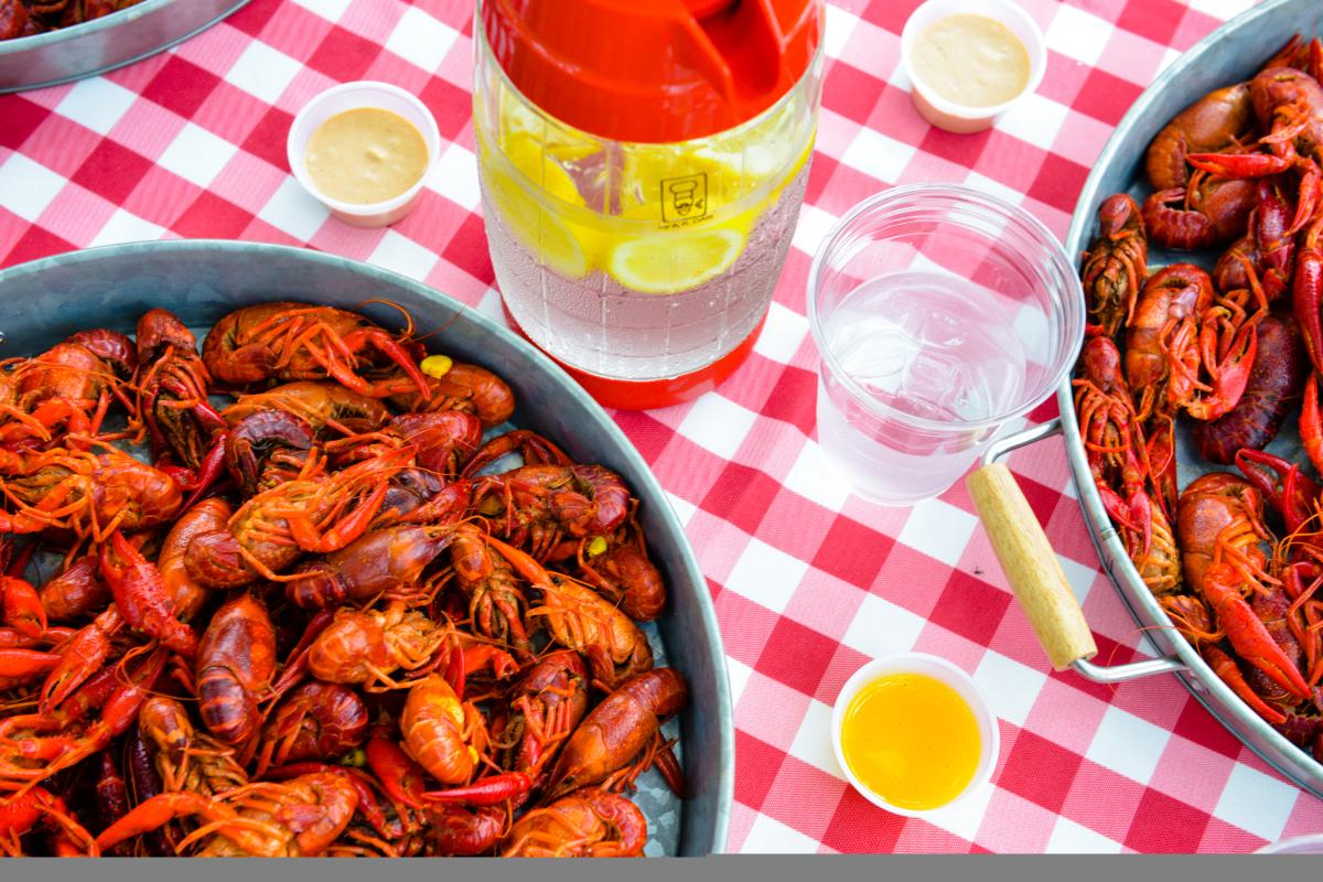 Crawfish Picnic Table | VisitLakeCharles.org