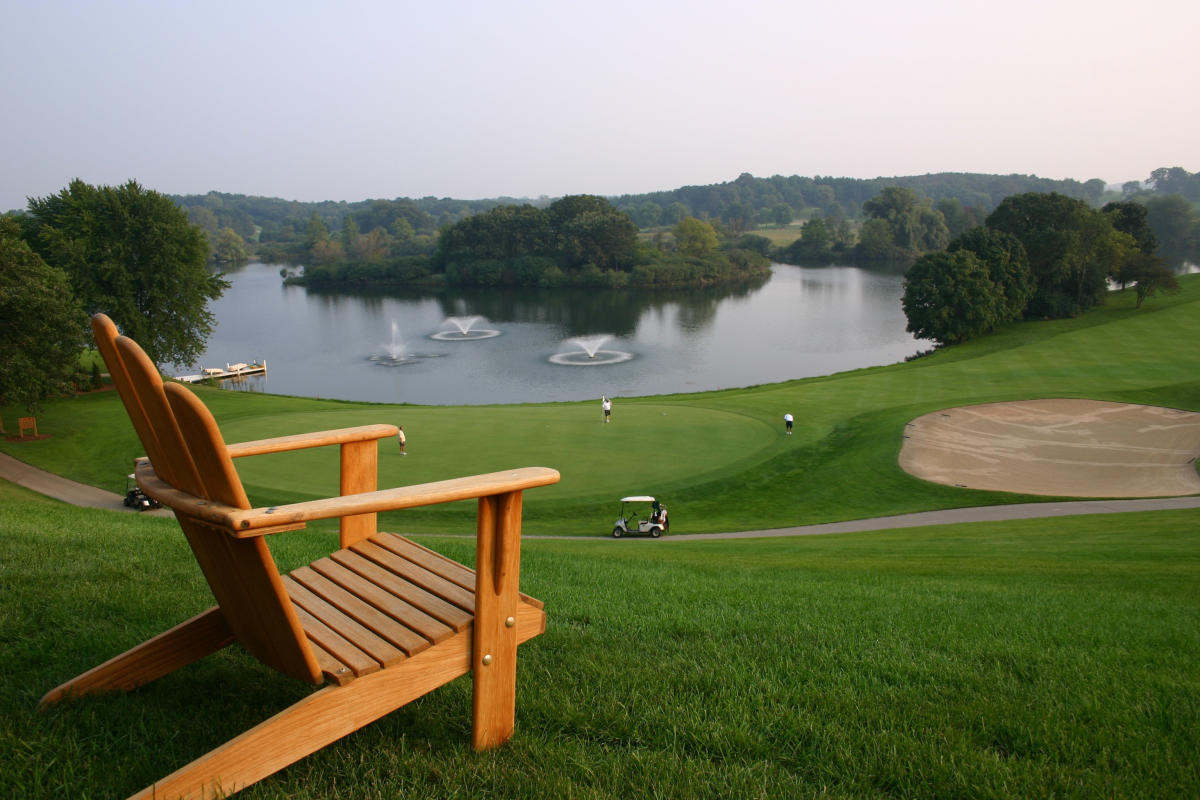 Golf_Grand Geneva_chair